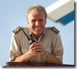 Aan boord van de Doulos als Kapitein, getraind om veilig door stormen en ondieptes te navigeren