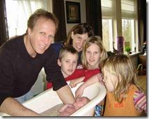 Familie doet Hadassah in bad